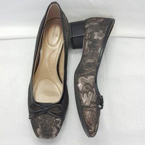 Bandolino low heel shoes size 7.5M